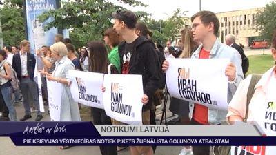 Pie Krievijas vēstniecības noris pikets žurnālista Ivana Golunova atbalstam