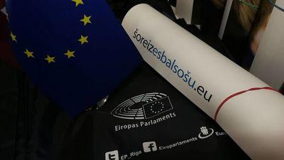 Koalīcijas partijām labāk apvienoties uz EP vēlēšanām, brīdina Skudra
