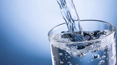 Uztura speciāliste māca, cik daudz ūdens dienas laikā jāuzņem