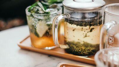 Kāds ir ideālais ūdens tējas pagatavošanai? Skaidro ūdens someljē Dans Voļevahs!