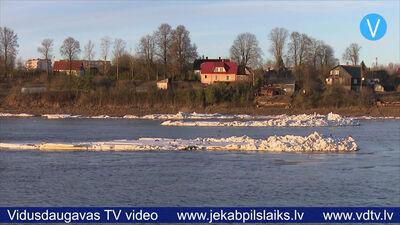 Daugavā pie Jēkabpils sākusies ledus iešana