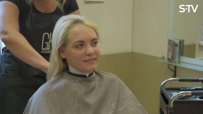 Ērkšķu dāmas pošas finālam - krāso matus, liek make-up