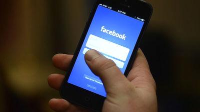 """Drošības riski """"Facebook"""" - eksperti iesaka nomainīt paroles"""