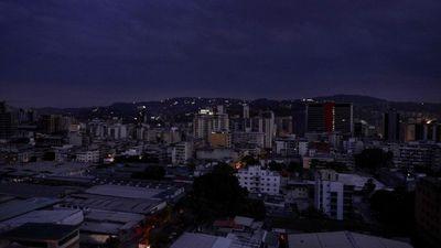 Venecuēlas galvaspilsēta atkārtoti paliek bez elektrības