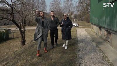 Kašers staigā pa Talsu ielām