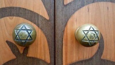 Vai ebrejiem jākompensē īpašumi? Komentē Roberts Zīle