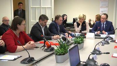 Saeimas komisijā diskutē par koronavīrusu un tā draudiem Latvijā