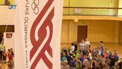 Špoģu vidusskolā notika Olimpiskā diena