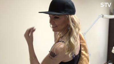Vai esi redzējis Lienes Skulmes otro tetovējumu?
