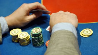 Nākamgad sāks darboties iespēja liegt sev spēlēt azartspēles
