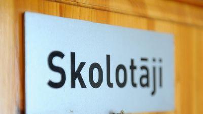 Pedagogu algu atslēga ir tieši pašvaldībās, uzskata Šadurskis