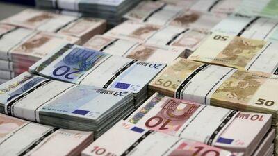 """Jaunups: Valsts jau ir iztērējusi pusmiljardu """"nelielajos 700 eiro pabalstiņos"""""""