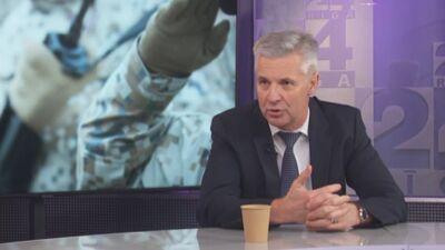 """Pabriks: Ja kāds ministrs nespēj darīt savu darbu, lai iet prom. Bet """"kara"""" apstākļos nevajag mainīt"""