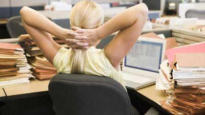 Sēdošs darbs - bieds veselībai! Ko mainīt?