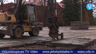 Jēkabpilī uzsāk būvdarbus Oskara Kalpaka laukumā
