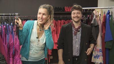 Stiliste Šeila vienīgā spēj atrast puiciskajai Monikai izejamo tērpu!