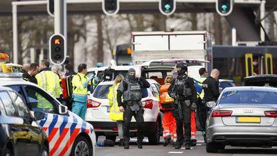 Nīderlandē izcēlusies apšaude - vairāki ievainotie