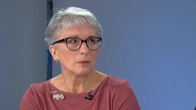 EP deputāte Sandra Kalniete komentē Porošenko lēmumu izsludināt karastāvokli