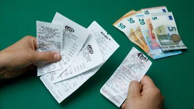 Daukšte: Iespēja vinnēt čeku loterijā ir mazāka,  nekā tikt nobrauktam uz ielas