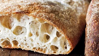 Kas jāzina par itāļu iecienīto maizi ciabattu?