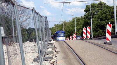 Burovs: Līdz 2023. gadam Brasas tilts ir jāpabeidz, citādi tas viss būs fiasko