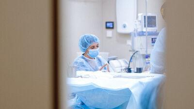 Vai mediķi ir saņēmuši piemaksas par Covid-19 pacientu aprūpi?