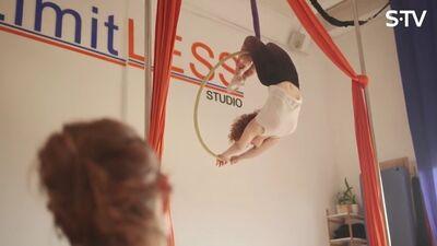 Vai zināji, ka Ieva Brante nodarbojas ar gaisa akrobātiku?