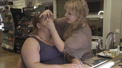 Alīna tikusi pie vakara grimma, ko viņai uzklājusi pati Unastyle īpašniece! Pārējām skauž.