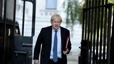 Džonsonam līdz septembra beigām jāiepazīstina ar savu Brexit plānu
