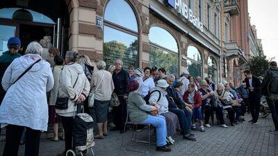 """""""Tā ir vieglprātīga attieksme pret Latvijas sabiedrību,"""" Līdaka par problēmām banku sektorā"""