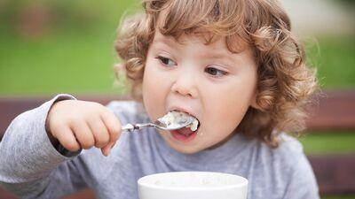 Kā zināt vai bērna ēdienkartē ir pietiekams kalcija daudzums?
