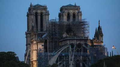 Dombrovskis: Parīzes Dievmātes katedrāles ugunsgrēks radījis šoku visā pasaulē