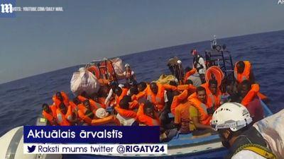 """Kuģa """"Aquarius"""" migrantus no Maltas nogādās piecās Eiropas valstīs"""