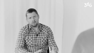 Elbakjans par attiecībām ar tēvu: No tēva puses bija nulle empātijas