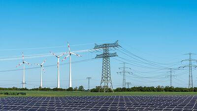 Streips: Jāatrod veids, kā turpināt atbalstīt energoražotājus, neiesaistot 'lielos milžus'