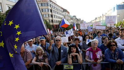 Prāgā notikusi lielākā protesta akcija pēdējo 30 gadu laikā