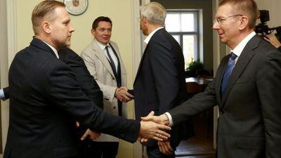 Kāpēc Gobzems balsos pret Kariņa valdību?