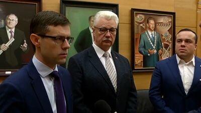 Speciālizlaidums: Rīgas dome gatavojas ārkārtas sēdei par vicemēru atlaišanu
