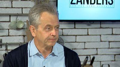 Latkovskis sekošanu politikai salīdzina ar hokeja skatīšanos