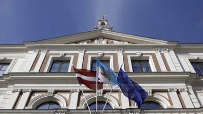 """Rīgas dome atlaista - """"Saskaņa"""" neapmierināta"""
