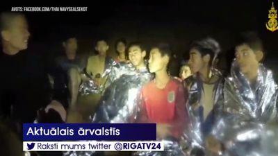 Taizemes futbolistu glābšana prasa upurus - miris pieredzējis nirējs