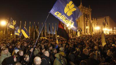 Protestētāji Kijevā pieprasa Zelenskim aizstāvēt valsts intereses