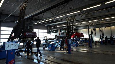 CSDD nostāja par transportlīdzekļu tehniskās apskates veikšanu arī sertificētos servisos