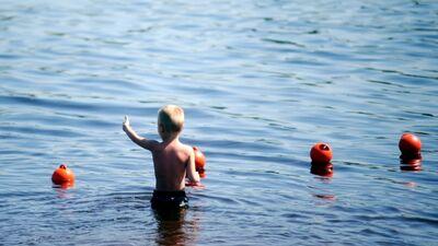 """Biedrības """"Peldēt droši"""" dibinātāja neiesaka pašiem bērnus mācīt peldēt"""