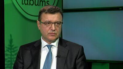 """Finanšu ministrs par """"dīkstāves pabalstu"""" nozarēm, kas cieš no COVID-19 izplatīšanās"""