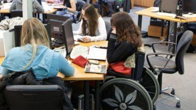 Rūpēm par cilvēkiem ar invaliditāti jābūt prioritātei, uzskata Putnis