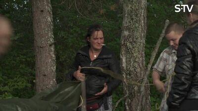Ērkšķu dāmām jāgatavo naktsmītne mežā
