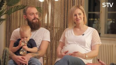 Ar kādiem izaicinājumiem Arturs Gruzdiņš ar sievu Elzu saskārušies audzinot bērniņu?