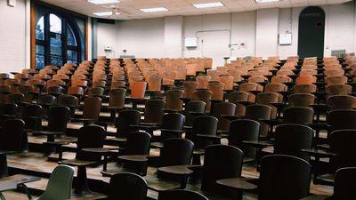 Augstskolās budžeta vietas aizvien neaizpildītas