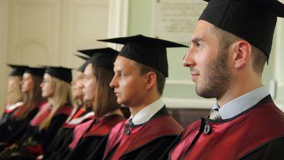 Vai valsts ir tiesīga atprasīt līdzekļus no studentam apmaksātās izglītības?